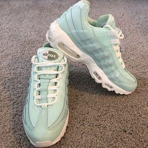 Nike Air Max 95 Premium Running Shoes